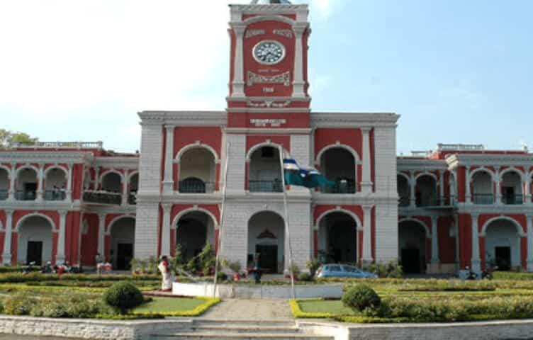 Rajkumar College Higher secondary school in Boarding Schools of India